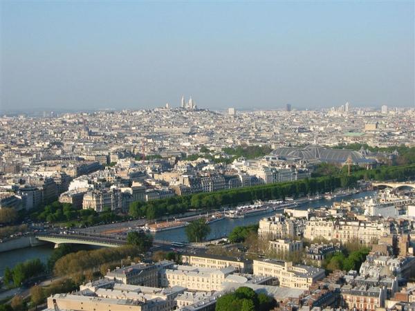 從巴黎鐵塔往市區照