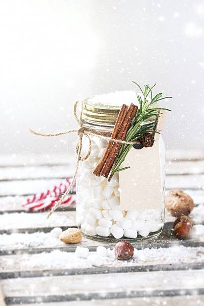 glass-jar-with-marshmallows-and-cinnamon-tied-with-a-rope_1220-760.jpg