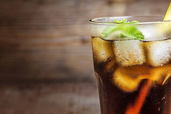 close-up-of-cola-with-a-straw_1205-146.jpg