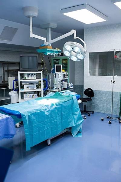 interior-view-of-operating-room_1170-2255.jpg
