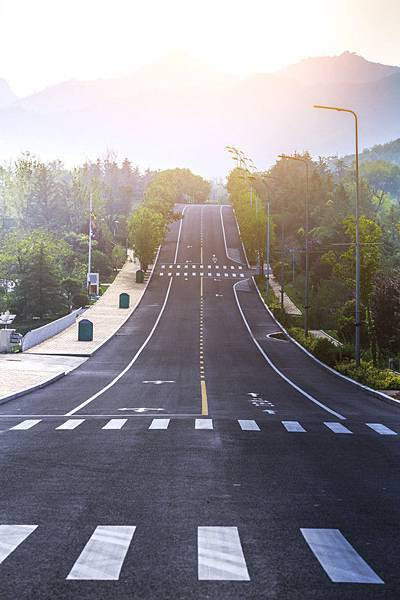 day-background-yellow-blue-motion_1417-280.jpg