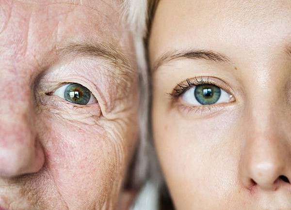 family-generation-green-eyes-genetics-concept_53876-30587.jpg