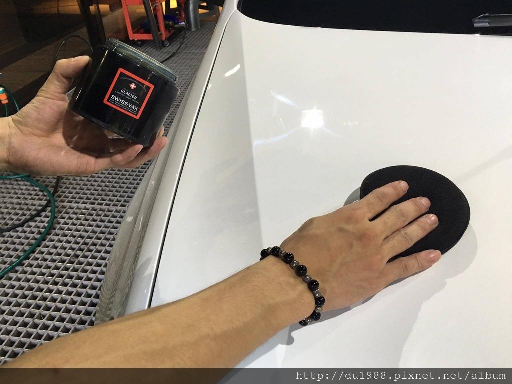 步驟10-2、全程手工上蠟,將蠟均勻覆蓋全車.jpg