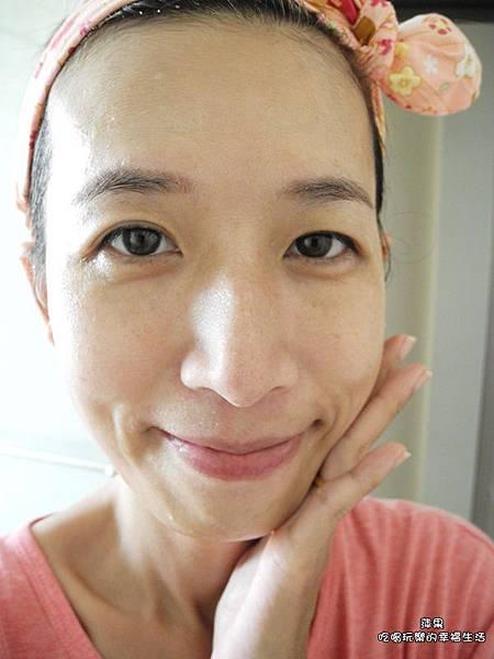 胺基酸微晶煥彩洗面霜8.jpg
