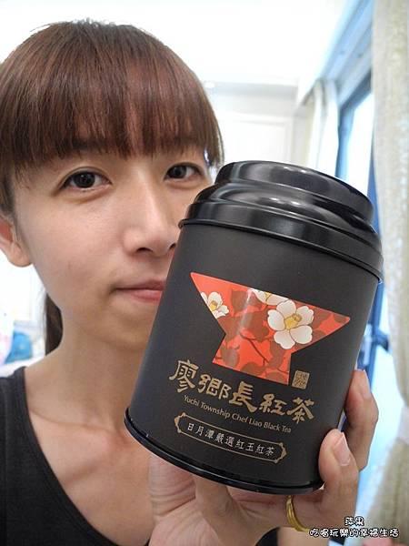廖鄉長紅茶2.jpg