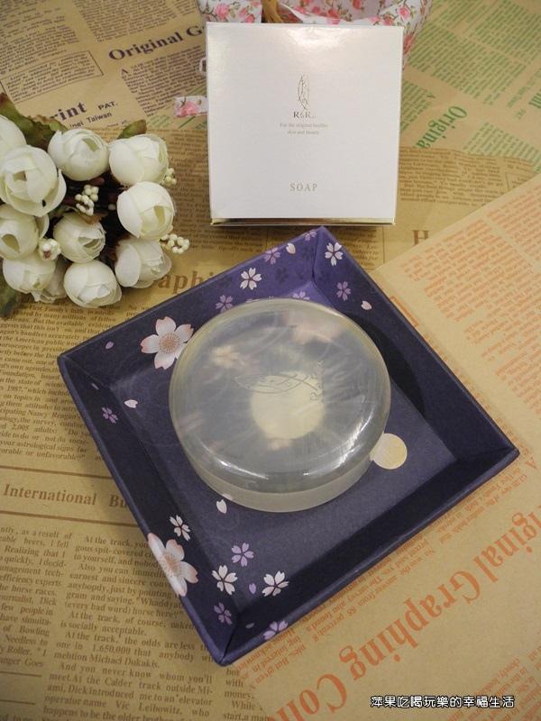 天使樂樂膠原蛋白潔顏皂1.jpg