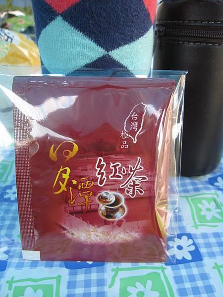 老闆送的茶包.JPG