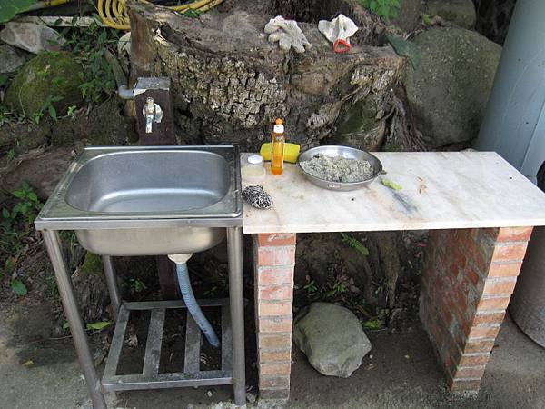溪邊營位水槽.JPG