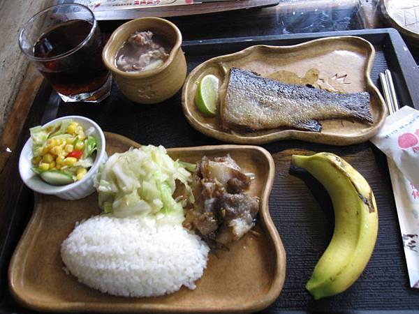 鱒魚排套餐320.JPG