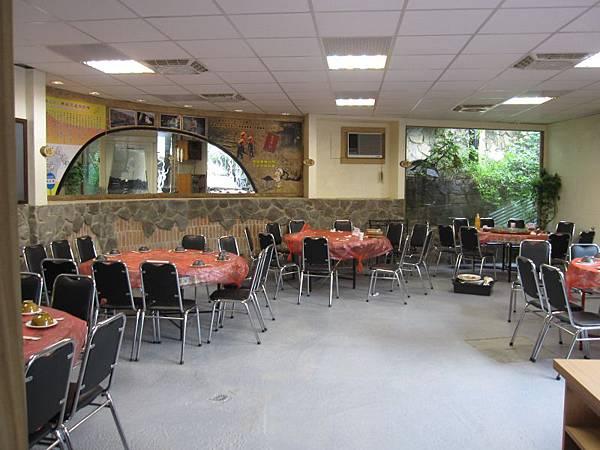 合菜用餐區 (1).JPG