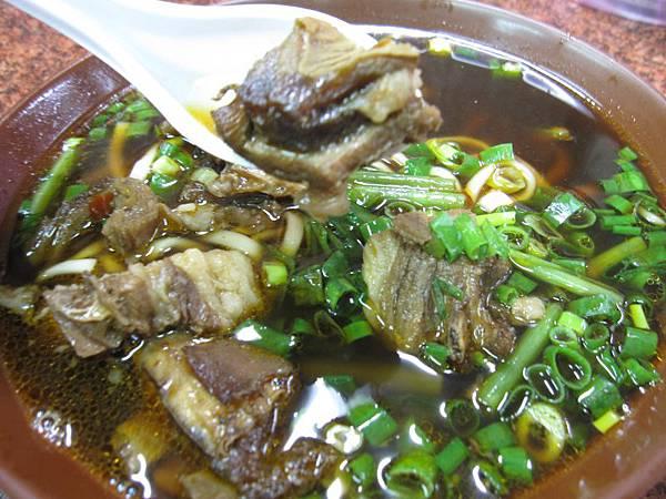 招牌紅燒羊肉麵 (1).JPG