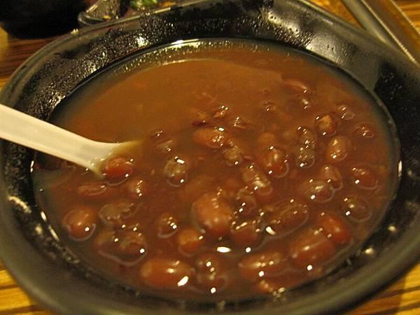 餐後甜湯~紅豆湯.JPG