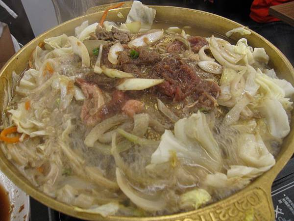銅盤烤肉.烤牛肉230.JPG