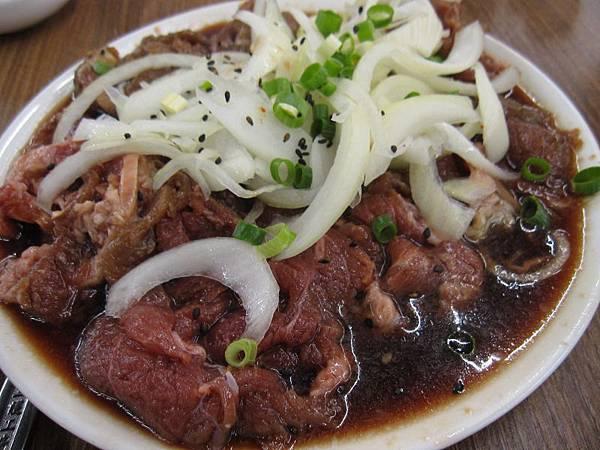 銅盤烤肉.烤牛肉230 (2).JPG