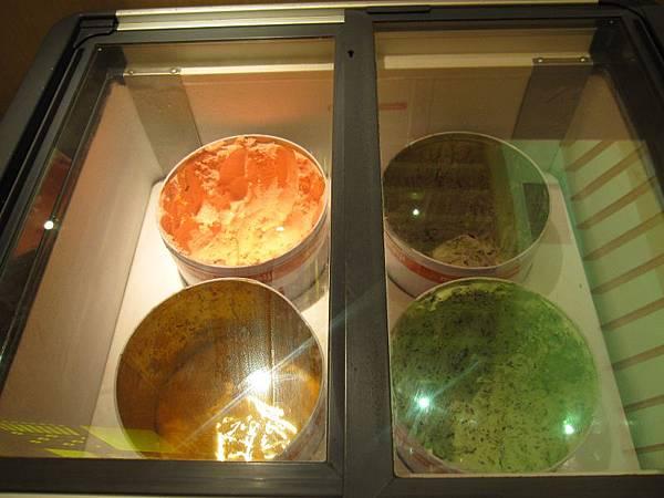 明治冰淇淋 (1).JPG