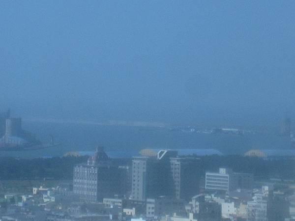 台中港海邊.JPG