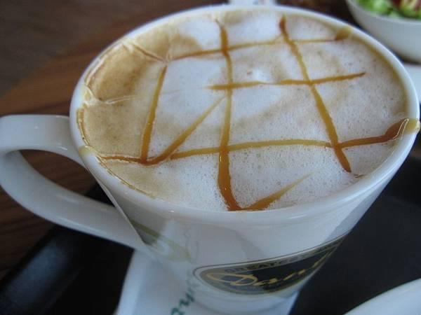 熱焦糖瑪雅奇朵咖啡(小)70.JPG
