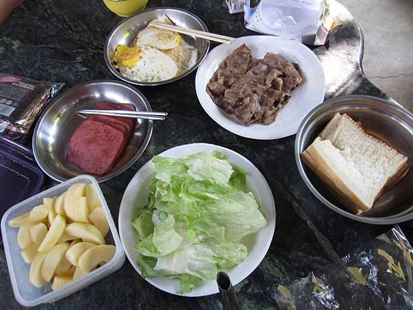 早餐~土司 (1).JPG