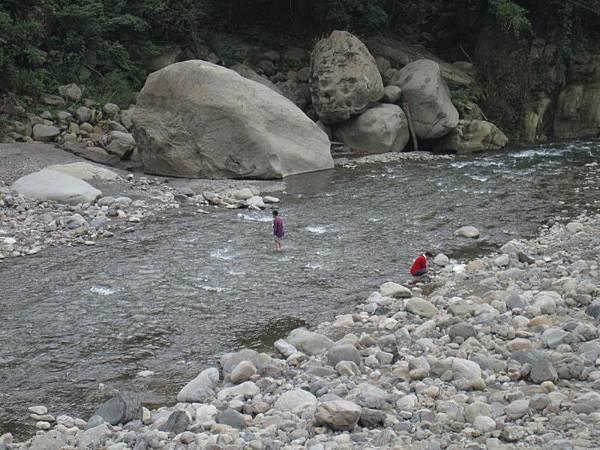 溪邊 (1).JPG