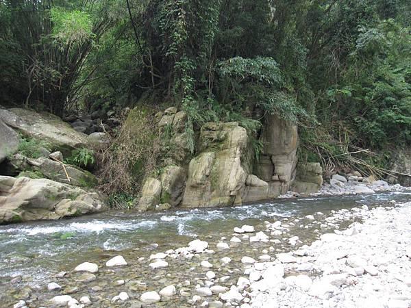 溪邊 (3).JPG