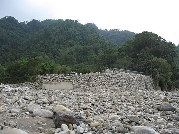 溪邊 (5).JPG