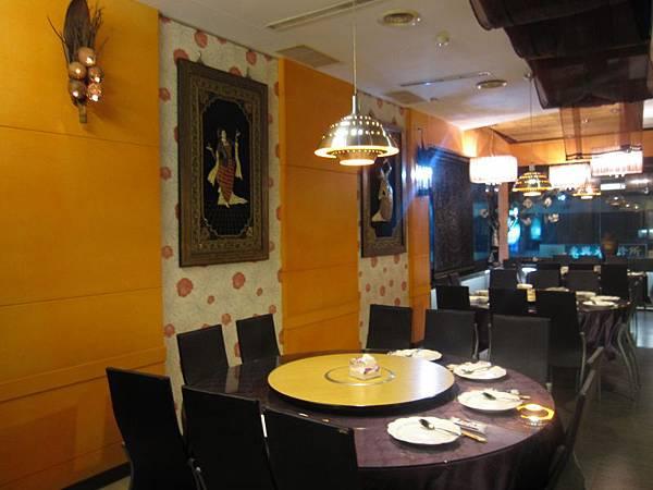 2樓用餐環境 (1).JPG