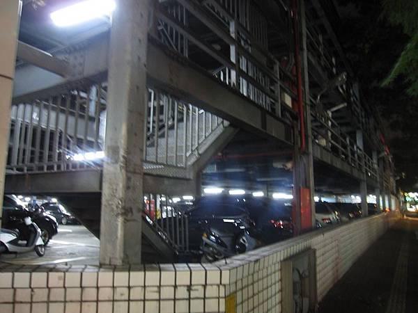 東興路停車場 (1).JPG