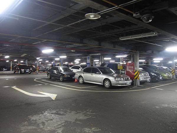 東興路停車場 (2).JPG