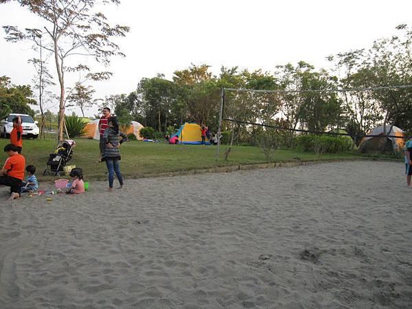 沙灘排球區.JPG