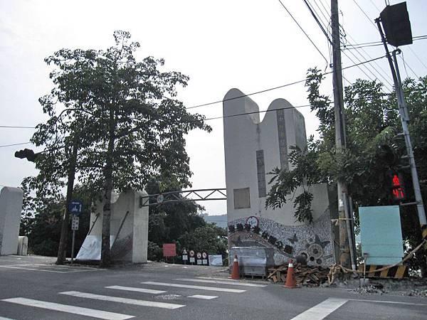 右邊.東豐河濱公園.jpg