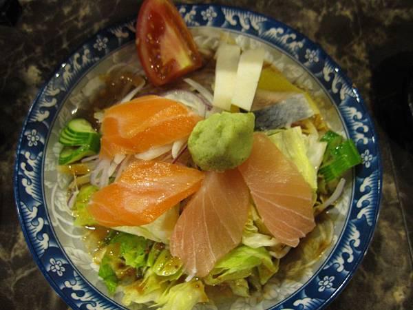 品鮮生魚片沙拉.JPG