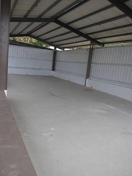 有遮雨棚營位4個.JPG