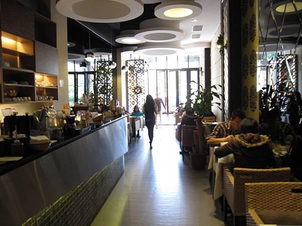 1樓用餐環境 (2).JPG