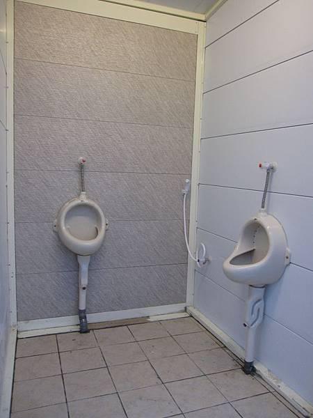 B區新廁所衛浴 (3).JPG