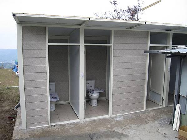B區新廁所衛浴 (6).JPG