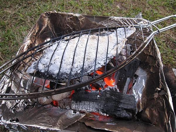 烤魚 (1).JPG