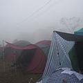 濃霧中收裝備.JPG