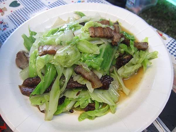 鹹豬肉炒高麗菜.JPG