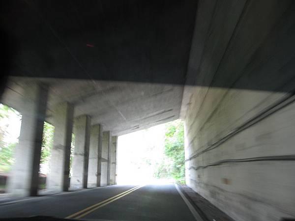 過隧道.JPG