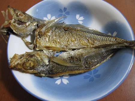 煎竹筴魚一夜干 (1).JPG