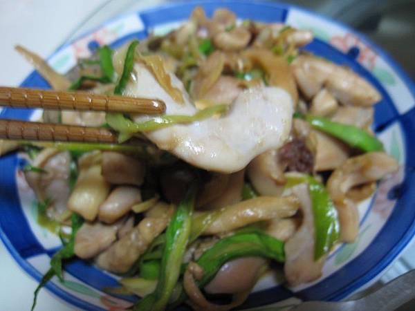 烏魚肫炒蒜苗.JPG