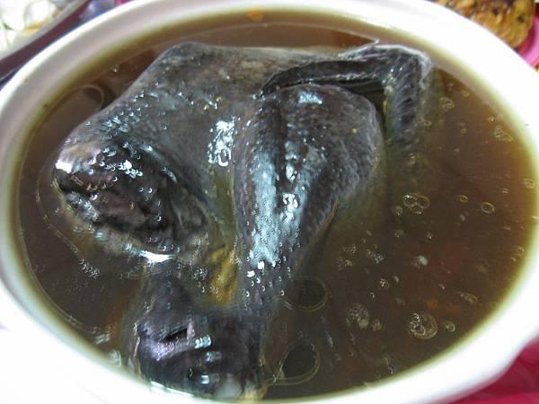 寶島香菇燉全雞.JPG