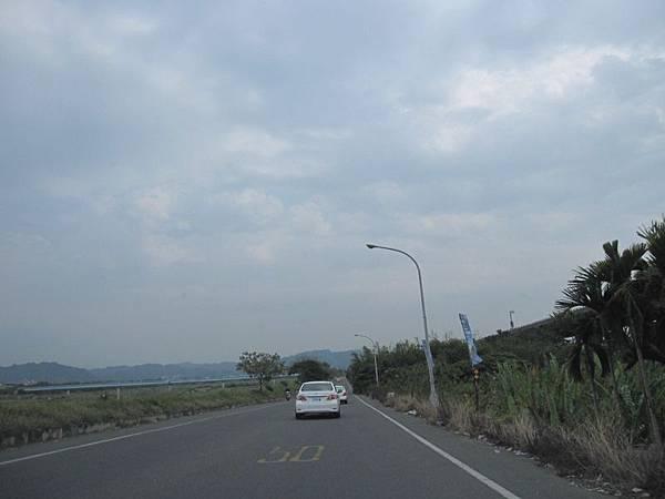 堤防汛道.JPG