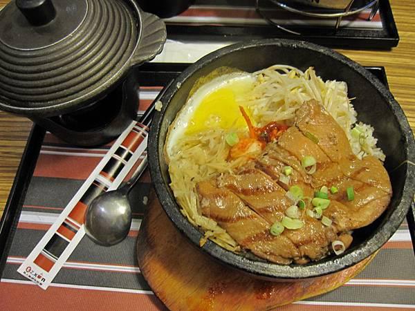 山寨烤雞腿石鍋340 (1).JPG