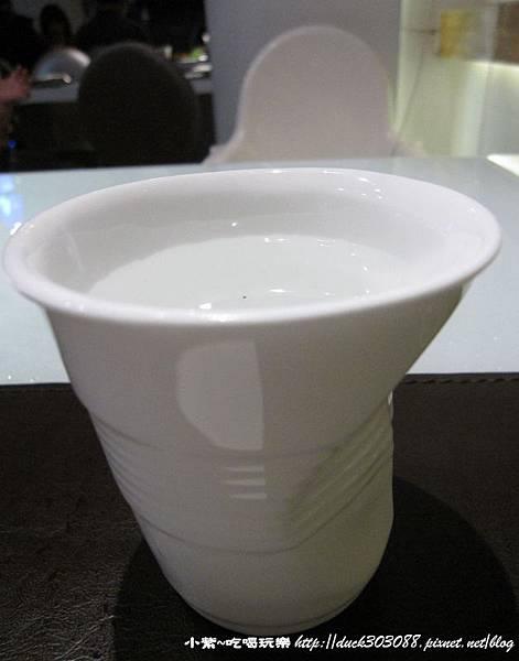 造型水杯.jpg