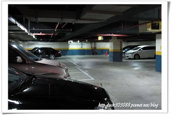 嘟嘟 房停車場 (2).jpg