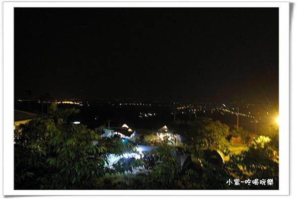 小湖光山舍-夜景 (1).jpg