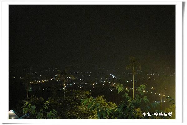 小湖光山舍-夜景 (3).jpg