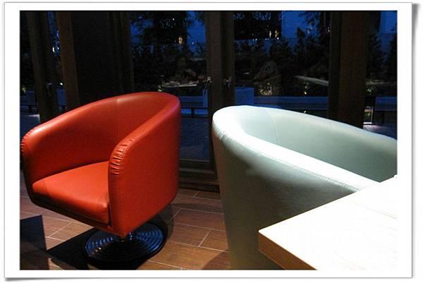 旋轉沙發椅.jpg