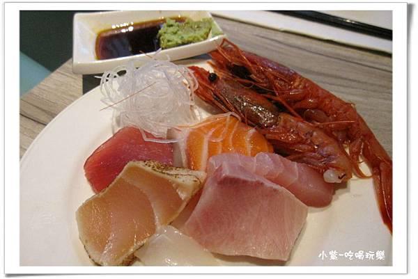 綜合生魚片拼盤盤.jpg